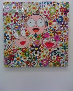 autoportrait de Takashi Murakami entouré de Kaikai et Kiki, ses deux personnages