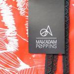 Les foulards graphiques sérigraphiés de Makadam Poppins