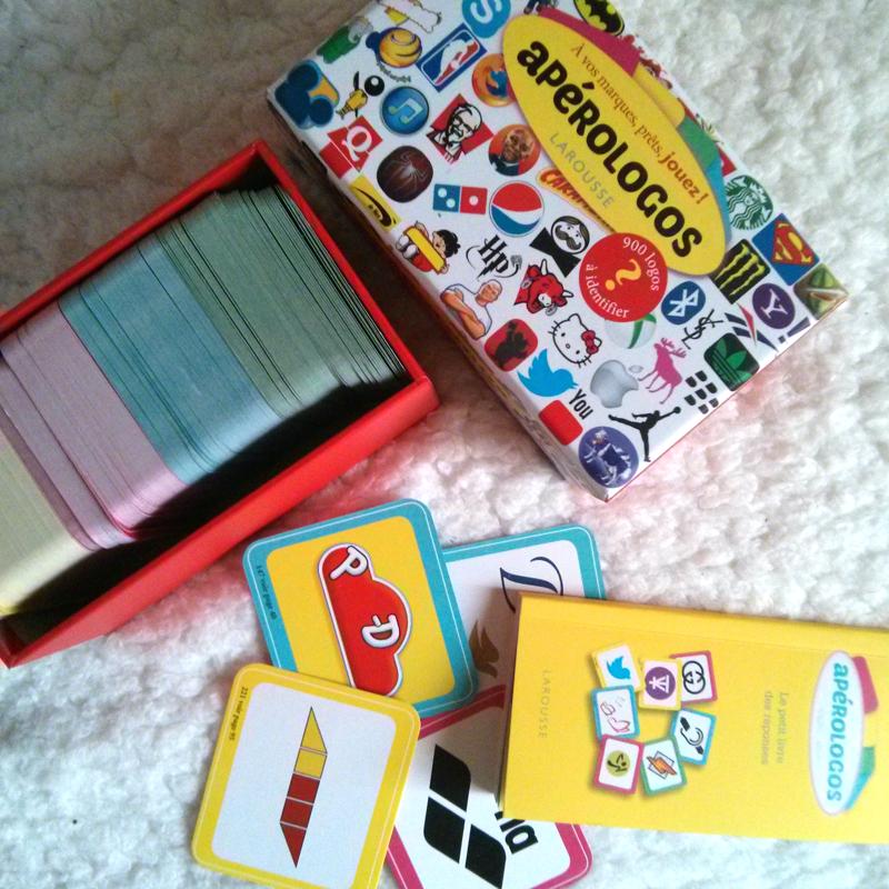 jeu Apérologos ouvert avec cartes et règle- éditions Larousse (photo © La Veilleuse Graphique)
