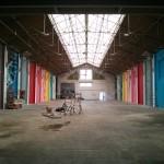Vue globale du garage Fosh qui accueille l'expo street art Colorama - Crédit Photo : © La Veilleuse Graphique