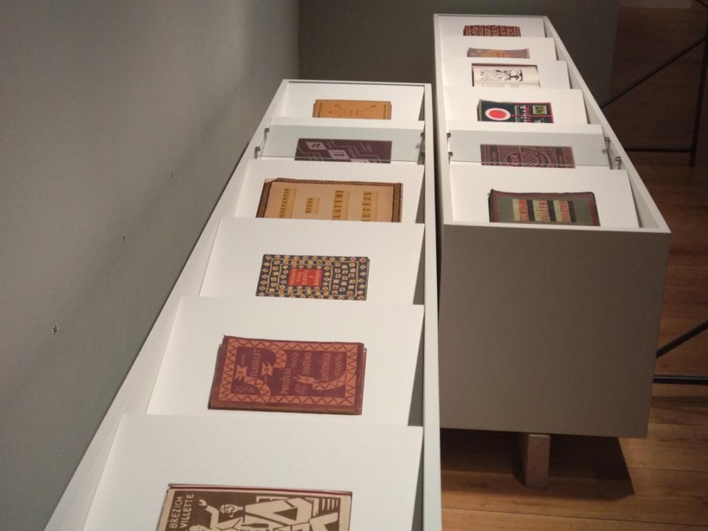 mobilier d'exposition de l'Image-livre