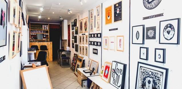 Intérieur de la galerie Microcosme - © Photo Isabelle Miquelestorena